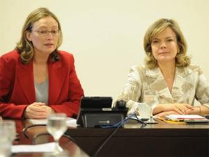 """Gleisi disputa com Maria do Rosário título de """"pior ministra de 2014"""""""