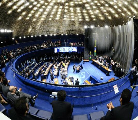 Senado aprova em 1º turno texto principal da Previdência, mas segunda votação está sob risco